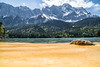 Blütenstaub im Eibsee und die Zugspitze im Hintergrund (stefangruber82) Tags: alpen alps bavaria bayern lake mountainlake bergsee gebirgssee snow schnee berge mountains pollen