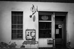 Feine Mechanik & Design (Rubina V.) Tags: berlin monochrom street strassen läden strasen türen door