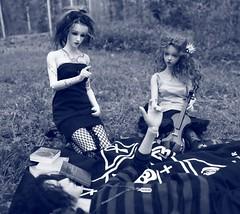 Goth Picnic (Tatterpunk) Tags: echo giri gear eye geareye simon bridget carroll iplehouse bjd fid fashion doll tatterpunk goth witch dolls ball jointed raffine bianca oscar ws gs