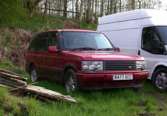 Range Rover (Lawrence Peregrine-Trousers) Tags: range rover 1997 abandoned ffffffffff autoshite