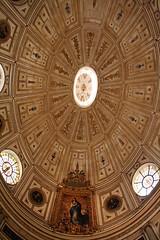 The elliptical Renaissance dome of the chapterhouse (Umberto Luparelli) Tags: sevilla ph227
