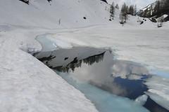 Schwarezensee (tomas.maca) Tags: nikon 1 v1 10mm mai snow totes gebirge mrtvé hory rakousko österreich schwarzensee