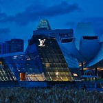 Louis Vuitton pavilion and Arts and Sciences museum at Marina Bay at dusk in Singapore thumbnail