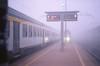 Partenza per Milano (Voghera). (GiannLui) Tags: nebbia voghera treno milano marciapiede ferrovia mattina