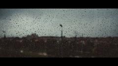 Textura de la soledad (Samuel Portilla) Tags: rain water drops gotas gua lluvia glass vidrio window ventana dof rainy lluvioso bokeh 1855mm canon cinematografía cinematography cinematic cinematico noise ruido grainy grano grain cold warm