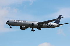 """Air France 777-328ER F-GZNT """"Skyteam"""" CDG (sebastien777) Tags: airfrance 777328er fgznt skyteam boeing777 cdg roissy aviones airplanes planes airlines aircraft"""