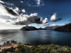 The Hout Bay (jan-krux photography - thx for 3 Mio+ views) Tags: houtbay chapmanspeakdrive southafrica suedafrika westerncape westkap olympus omd em1mkii clouds wolken himmel sky south atlantic ocean suedatlantik ozean wasser water sea meer sentinel berge mountains coast kueste abend evening menschen people hill huegel travel reisen beautiful schoen