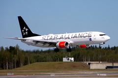 SAS LN-RRW, OSL ENGM Gardermoen (Inger Bjørndal Foss) Tags: lnrrw sas scandinavian boeing 737 osl engm gardermoen