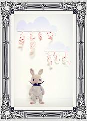 I'm not ... (★ ♥ Pounkie ☠ †) Tags: imnot lapin rabbit bunny jouet toy nuages clouds coeurs pluie rain hearts clodio flockedanimal sylvanians vintage jouetvintage lespetitsmalins blanc cadre