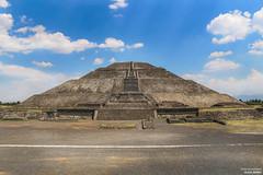 Pyramid of the Sun. Teotihuacan. Mexico (Olesia_Rerikh) Tags: pyramidofthesun pyramid teotihuacan mexico outdoor journey olesiarerikh