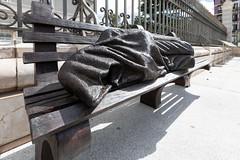 Jesús desamparado. (Guido Barberis) Tags: madrid spagna cattedrale dellalmudena jesus desamparado statua panca scultura artista thimoty p schmalz
