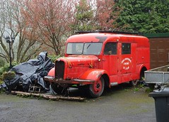 French Fire Engine, Belle Vue Lane, Upper Cwmbran 24 April 2018 (Cold War Warrior) Tags: fireengine cwmbran vintage aisne france