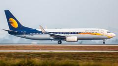 Jet Airways Boeing B737-800 VT-JBC Bangalore (BLR/VOBL) (Aiel) Tags: jetairways boeing b737 b737800 vtjbc bangalore bengaluru canon60d tamron70300vc panning