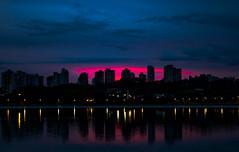 Parque Barigui - CURITIBA (Guitavaress) Tags: parque barigui noite céu curitiba reflexo entardecer água