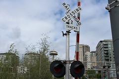 RAILROAD CROSSING (PINOY PHOTOGRAPHER) Tags: seattle city washington state united states america usa wow perfect angle view picturesque smorgasbord trek lines curves scene portrait angles frame image wonderful picture photography art flickr trip tour travel world color pov framing amazing popular interesting canon choice camera work top famous significant important item special topbill light creation awesome visual viajar litrato larawan line curve like