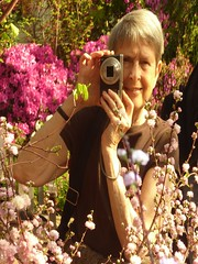 Chicago, Garfield Park Conservatory, Selfie (Mary Warren 10.5+ Million Views) Tags: chicago garfieldparkconservatory nature flora plants blooms blossoms flowers reflection selfie portrait photographer me