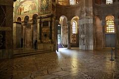 Ravenna - Basilica San Vitale (oriana.italy) Tags: ravenna emiliaromagna basilicasanvitale img0095 byzantinemosaic iconography christianity theodoricthegreat northwallchoir mosaicpainting pattern