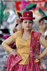 Entrada Universitaria (Rudiger Muñoz) Tags: folklore danza bolivia entrada parade university universitaria caporales morenada tinku lapaz llamerada retrato portrait saya afro costume people