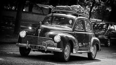 Peugeot 203 - traversée de Dijon (mg photographe) Tags: auto rétro peugeot dijon bourgogne parc défilé concentration traversée