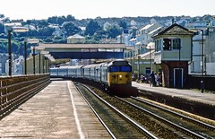 50045, Dawlish, September 1985 (David Rostance) Tags: 50045 class50 englishelectric dawlish devon railwaystation signalbox