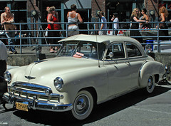 1949 Chevrolet 4-door sedan (D70) Tags: nikon d70 2885mm f3545 ƒ130 283mm 1640 200 1949 chevrolet 4door sedan yaletown car show vancouver bc canada august 6th 2005