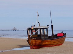 Fischerkahn (bernstrid) Tags: boot kahn fischerkahn seebrücke heringsdorf ostsee strand mv