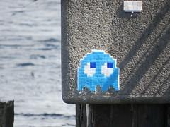 Space Invader NCL_14 (tofz4u) Tags: newcastle newcastleupontyne uk angleterre unitedkingdom streetart artderue invader spaceinvader spaceinvaders mosaïque mosaic tile ncl14 reactivationteamuk spacerescueintl reactivated restauré pacman blue bleu
