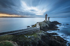 Minou (Tony N.) Tags: france bretagne finistère plouzané phare lighthouse phareduminou sea seascape mer poselongue longexposure clouds nuages matin morning d810 vanguard nd1000 nikkor1635f4 tonyn tonynunkovics