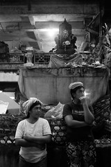 porters waiting for work before the dawn (bali street photographer) Tags: streetphotography balistreetphotographer ubud bali indonesia pasarubud traditionalmarket women only