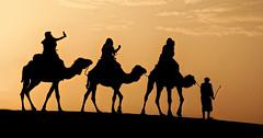 Treking w iPhone in Morocco's desert via camel. (Flight of life) Tags: morocco desert sunset camel camels