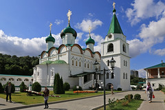 Вознесенский собор и колокольня монастыря. Ascension Cathedral and the bell tower of the monastery (atardecer2018) Tags: orthodox 2017 church iglesia arquitectura architecture нижнийновгород православие