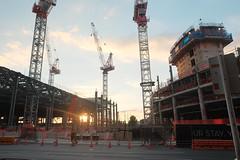 Craning (Shawn Sijnstra) Tags: crane cranes auckland construction red