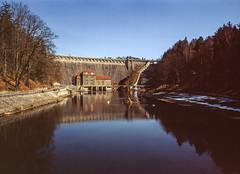 Pilchowice, Poland. (wojszyca) Tags: fuji fujica gsw680iii 6x8 120 mediumformat fujinon sw 65mm agfachrome agfa rsx ii 50 gossen lunaprosbc epson v800 still timeless water river dam