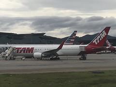JJ B763 GRU (Luis Fernando Linares) Tags: ge twinjet jet winglets planespotting ramp sbgr guarulhos gru brasil latam tam jj b763 b767 boeing widebody airliner airlines aircraft airplane aviation avgeek