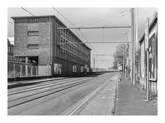 Das Ruhrgebiet (sw188) Tags: deutschland ruhrgebiet nrw mülheim anderruhr sw stadtlandschaft street industrielandschaft bw blackandwhite