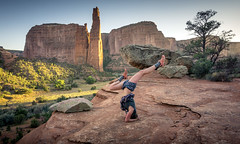 sense of balance (andy_8357) Tags: sony a6000 canyon de chelly spider rock sandstone yoga pose balance sense amazing ilce6000 ilcenex 6000 e pz 1650mm sel1650 selp1650 late afternoon cliff beautiful mirrorless emount mount spectacular landscape sunlight lichen woman stunning evening gentle