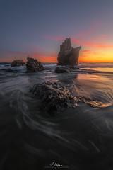 L-080-Whirlpool (arq.alextoro) Tags: atardecer atardeceres beach california elmatador landscape landscapes largaexposicion longexposure malibu mar olas paisaje paisajes playa sea stones sunset texturas twilight crepusculo ocaso rockyformation seascape