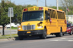 Freeman Bus Corp. #43 (ThoseGuys119) Tags: freemanbuscorp schoolbus watertownny thomasbuilt freightliner fs65 c2 saftliner yellowbumpers
