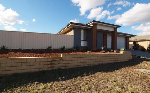 33 Honeyman Drive, Orange NSW