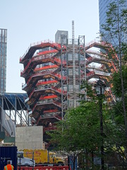 The Vessel by Thomas Heatherwick at Hudson Yards, New York City (iainh124a) Tags: iainh124a newyork ny nyc manhattan bigapple sony sonycybershot dschx90 dschs90v cybershot dx90 dx90v