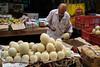 Fruit seller (SaumalyaGhosh.com) Tags: fruits seller kolkata india color street streetphotography fuji xt2