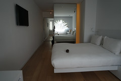 2018-04-FL-183560 (acme london) Tags: barcelona fira hotel hotelroomcorridor interior jeannouvel mirrordoor renaissancehotelfira room spain