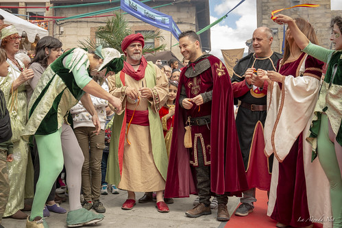 "XVII Mercado Medieval de La Adrada • <a style=""font-size:0.8em;"" href=""http://www.flickr.com/photos/133275046@N07/41857315901/"" target=""_blank"">View on Flickr</a>"
