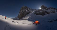 Luna llena (Pablo RG) Tags: montaña noche moon nikon luna sky estrellas nightphotography paisaje landscape nature spain mountains