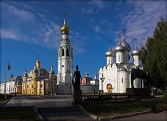 Утро у Вологодского кремля. Morning at the Vologda Kremlin. (atardecer2018) Tags: orthodox iglesia church храм архитектура arquitectura architecture russia 2014