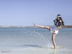 Salpicando (kinojam) Tags: retrato portrait chica girl belleza beauty modelo fashion agua water botas boots kino kinojam canon canon6d