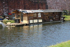 Piano Barge (Emmet Buffo) Tags: barge boat canal leeds piano upcycling upcycled