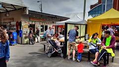 Howth Market (Raúl Alejandro Rodríguez) Tags: mercado market feria gente people comercios shops howth irlanda ireland
