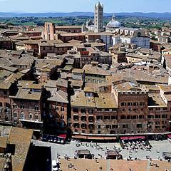 Siena, Toscana, Italia (pom'.) Tags: panasonicdmctz101 april 2018 siena toscana tuscany italia italy europeanunion 100 200 300