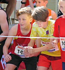 Ready, set, and... (Cavabienmerci) Tags: rotseelauf 2018 suisse schweiz switzerland run running race sport sports runner läufer lauf course à pied coureur boy boys